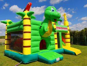 Dino Park Hüpfburg Center Sternberg